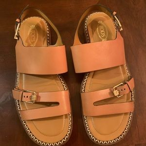 Excellent condition Tod's sandals (worn once)